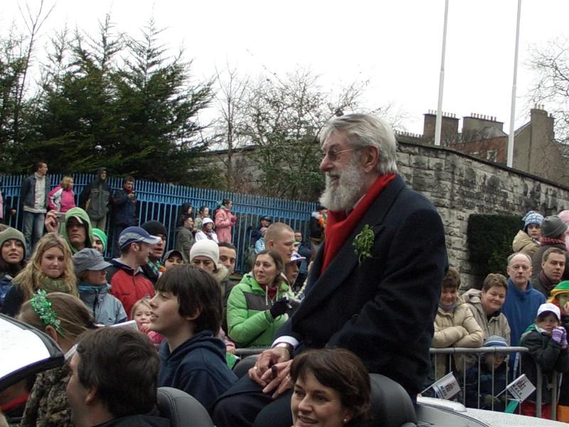 Rakk å få et lite glimt av  Ronald 'Ronnie' Drew . Kjent for oss gjennom The Dubliners med sin spesielle mørke stemme. Født 16.09.34 - 16.08.2008.