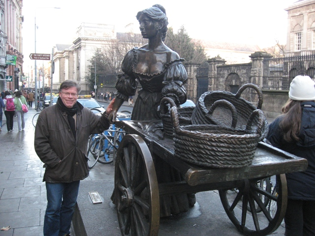 In Dublin's fair city, where girls are so pretty I first set my eyes on sweet Molly Malone.