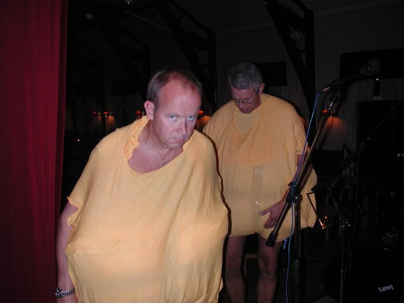 50 års lag på Ådalsbruk - 20.09.03. Da er det flott å ha appelsinhud;-)
