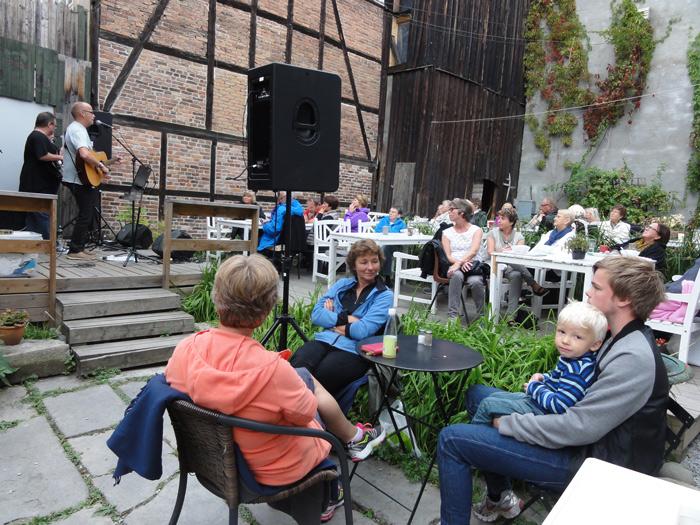 14.9 Tante Gerdas Scene. Vi hadde publikummerer fra 2 år og helt opp til 93 år. :-)